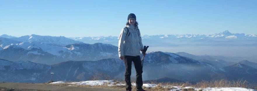 in cima al Bric Mindino, tra la Bisalta e il Monviso