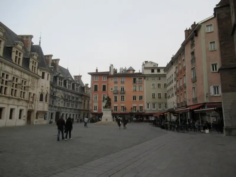 place Saint-André a Grenoble