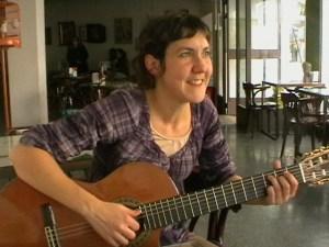 Entrevista a la Cantautora y Compositora Sarabanda