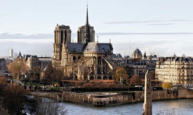 La grandeza simbólica y hermética de la catedral de Notre Dame es el emblema sagrado del cristianismo occidental