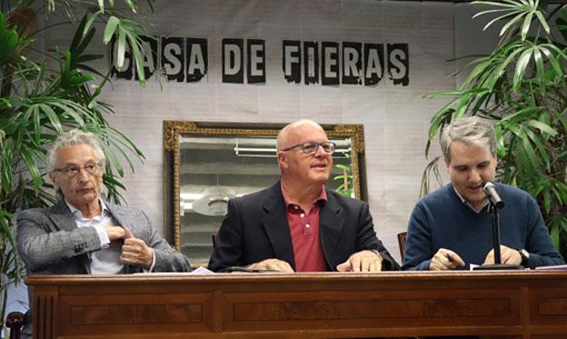 Presentación en Madrid de Rehacer el alba. Me acompañan Javier Olalde y Antonio Daganzo
