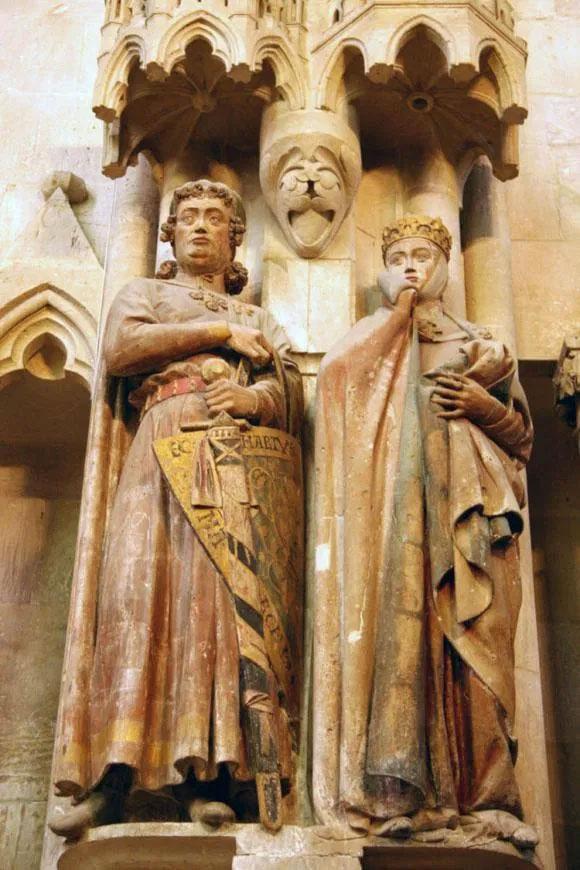 Las estatuas de Ecardo y Uta / Imagen: Linsengericht en Wikimedia Commons