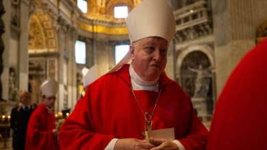 Photo of Católicos de St.Louis dan bienvenida a nuevo arzobispo Mitchell Rozanski