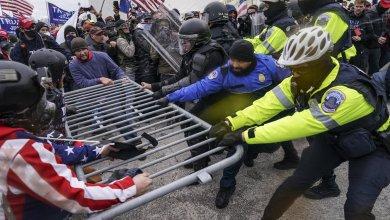 Senador Josh Hawley sin disculpas incluso después del asalto al Capitolio en D.C. 3