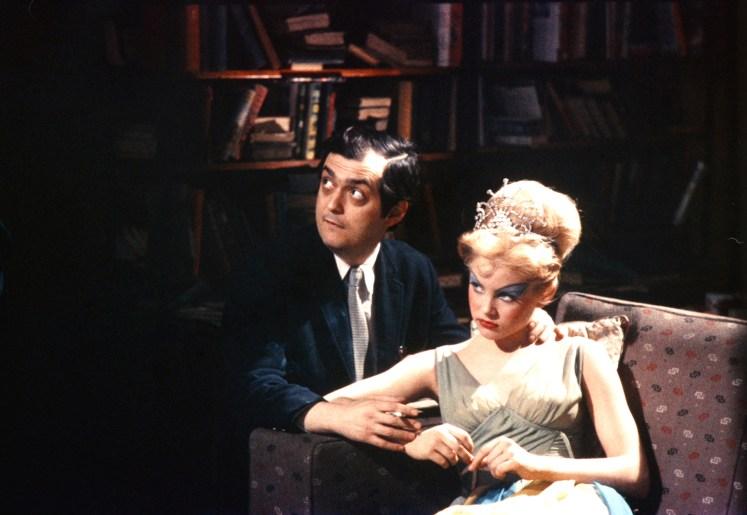 Lolita, Stanley Kubrick e Sue Lyion sul set in una rara foto a colori