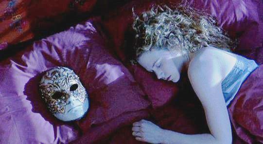 Eyes Wide Shut, Nicole Kidman è Alice, moglie di Bill