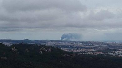 Photo of Mais de 90 bombeiros combatem incêndio em Sacavém