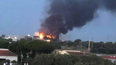 Photo of Incêndio em fábrica na zona do Batel em Alcochete