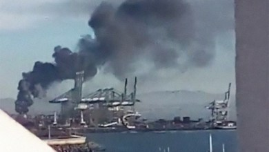 Photo of Incêndio de grandes proporções no terminal 21 do Porto de Sines