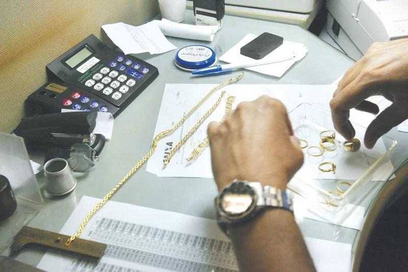 Penhorar joia da família é um dos empréstimos mais baratos
