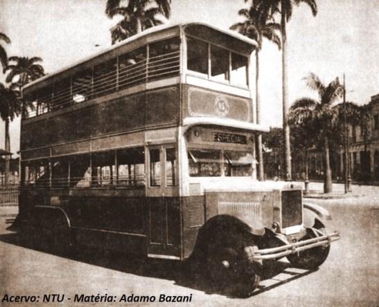O Daimler Guy de 1927 da Viação Excelsior. O primeiro ônibus de dois anadres no Brasil que se tem conhecimento, rodou na cidade do Rio de Janeiro. Acervo: NTU
