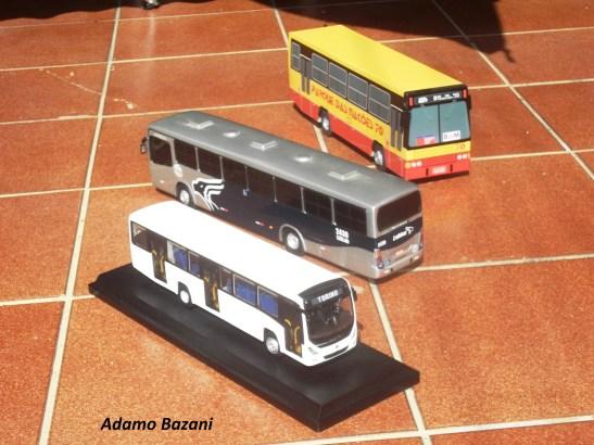Miniaturas de diferentes gerações de Torino, em diferentes escalas