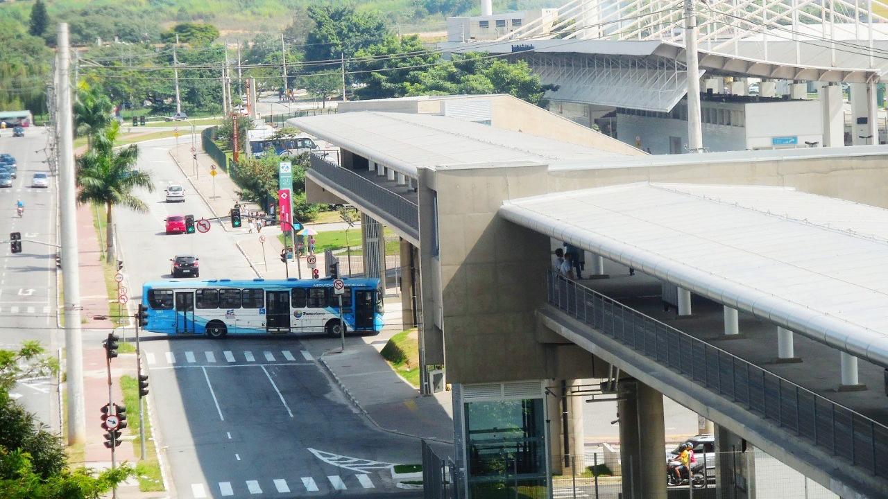 08577db1a4aa1 População sofre com falta de rede integrada de transporte em Guarulhos