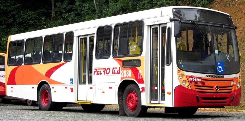 Acidentes geram atrasos em 42 linhas de ônibus de Petrópolis nesta segunda-feira