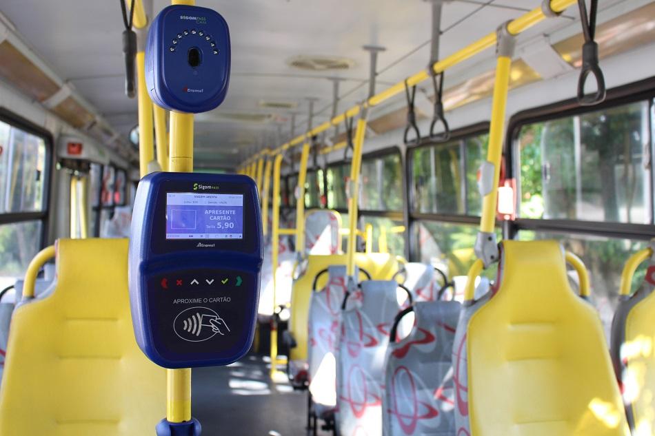 Foto validador dentro do ônibus