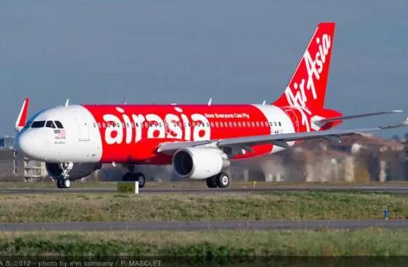 Copiloto da AirAsia estava no comando quando o avião caiu no Mar de Java