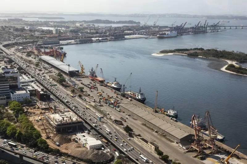 Imagem aérea do porto do Rio de Janeiro que está passando por reestruturação para próxima temporada