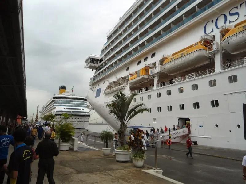 Passageiros desembarcam de cruzeiros e deixam milhões de reais em todos os destinos que fazem parte dos roteiros dos cruzeiros marítimos brasileiros