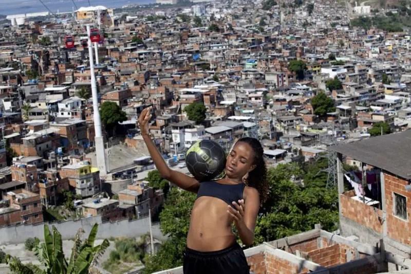 """Museu do Futebol inaugura a mostra """"As Donas da Bola"""""""