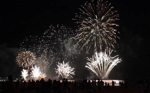 Santos tem Réveillon com mais de um milhão de pessoas na praia
