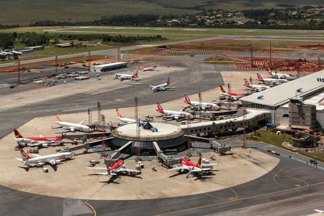 Cerca de 400 mil pessoas devem passar pelo aeroporto de Brasília neste feriado