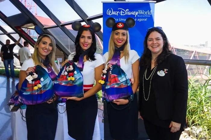 Foto Legenda – Voo inaugural: Avião dos Sonhos Disney e TAM