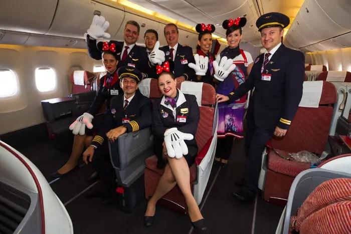 Tripulação do Avião dos Sonhos, que decolou esta terça-feira para Orlando (Fotos: divulgação)