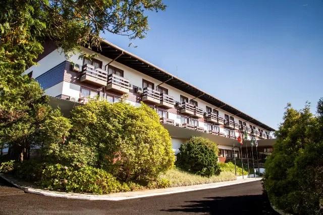 O hotel se localiza em uma das mais belas regiões do Estado de Santa Catarina, na Serra Dona Francisca em meio a Mata Atlântica