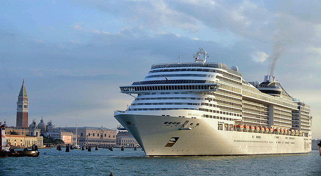Governo italiano quer proibir navios de cruzeiro no porto de Veneza