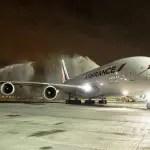 Rio recebe maior avião do mundo pela primeira vez