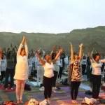 Israel tem festival de yoga em pleno deserto