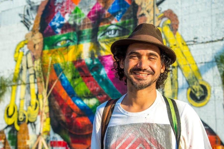 """Eduardo Kobra: """"pintar na rua é trabalhar com mensagens simples, como paz, união dos povos, etnias..."""