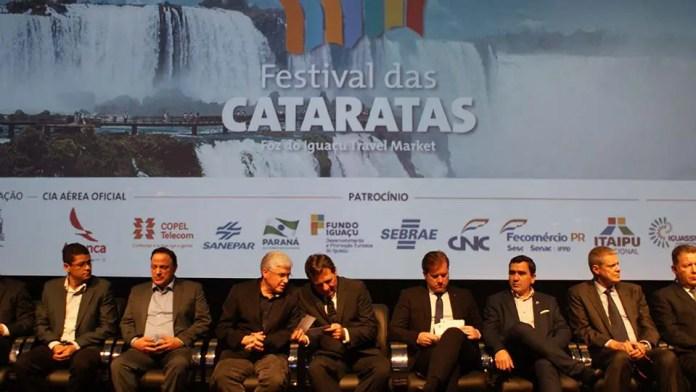A solenidade de abertura do evento recebeu deputados federais, secretários, diretores entre outras representações do setor turísticos (Foto: Felipe Lima)