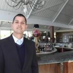"""Washington Pereira Domingues, gerente do Hotel Dan Inn: """"aqui era uma fábrica de carvão"""""""