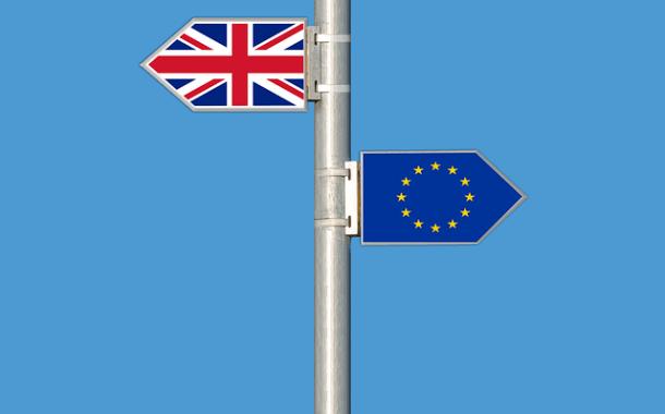 May diz estar confiante em conseguir acordo do Brexit que funcione para Reino Unido e UE