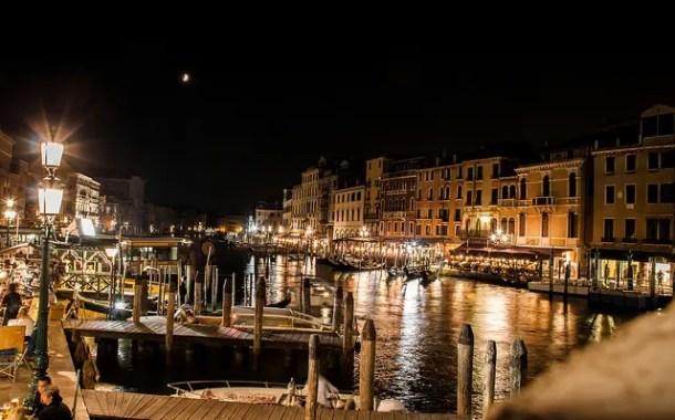 Veneza, uma cidade que naufraga com seus turistas