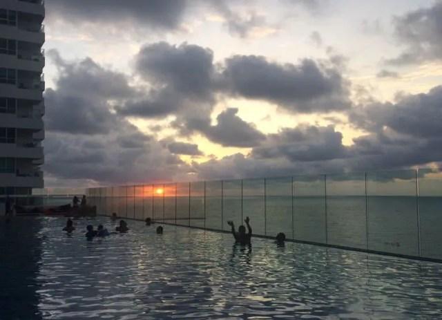Ao final do dia, todos os perfis se juntam para adorar uma unanimidade: o por do sol de Cartagena! (Foto: DT)