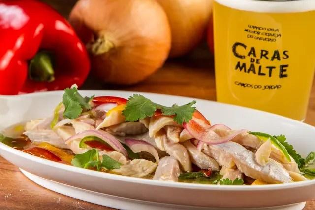 Ceviche de Truta na cerveja Caras de Malte do restaurante Cantinho da Serra (Crédito: Kadu Schiavo/divulgação)