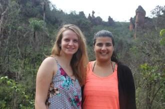 Iara Guedes e Jamila Alassiri, representantes da Passaredo Linhas Aéreas