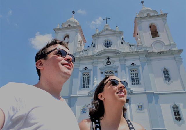 Luana Bastos e Marden Couto, jornalistas do Turismo de Minas, optam por vida