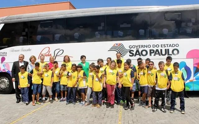 Mais de duas centenas decrianças viajam para Itú no projeto Turismo do Saber