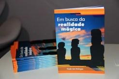 A feira WTM Latin America foi palco para o lançamento do Livro Em Busca da Realidade Mágica, de Paulo Von Atzingen. (Crédito: Ana Azevedo)