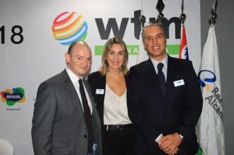Charlie Cracknell, Luciane Leite, Fernando Fischer organizadores da feira WTM Latin America. (Crédito: Ana Azevedo)