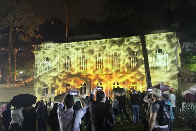 A cultura e a história do municipio foram projetados na fachada da Câmara dos Vereadores, através de videomapping (Fotos: DT)