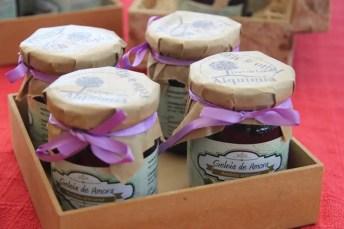 Compotas de doces e licores feitos artesanalmente