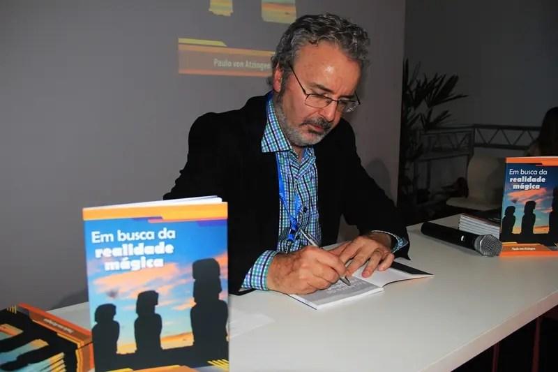 """Paulo Atzingen lança obra """"Em Busca da Realidade Mágica"""" na 6ª WTM Latin America (Veja fotos!)"""