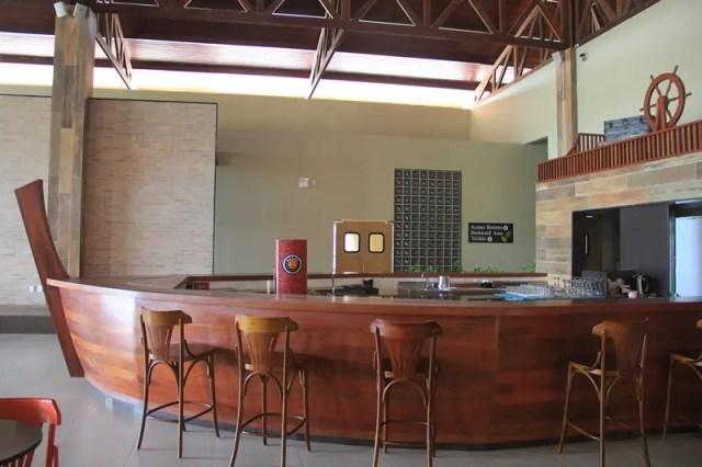 A proa do bar aponta: as águas vão rolar