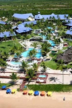 O Summerville Beach Resort, localiza-se na praia de Muro Alto – Porto de Galinhas (PE)