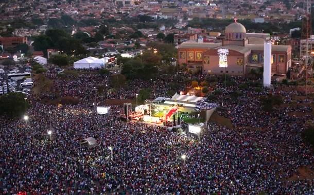 Romaria de Trindade recebe 700 mil romeiros nos três primeiros dias