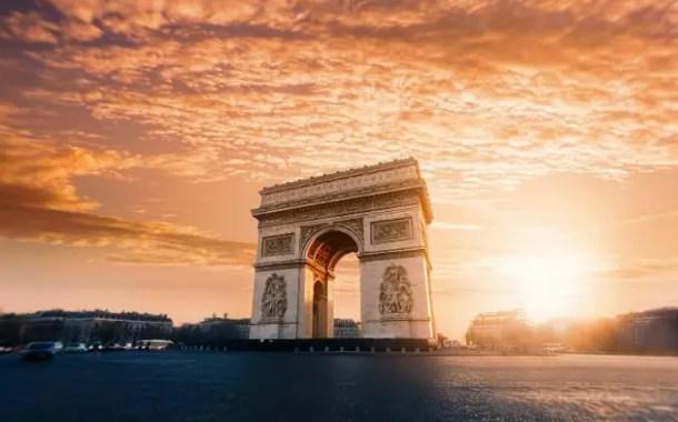 Azul inaugura quinta frequência para Paris em setembro